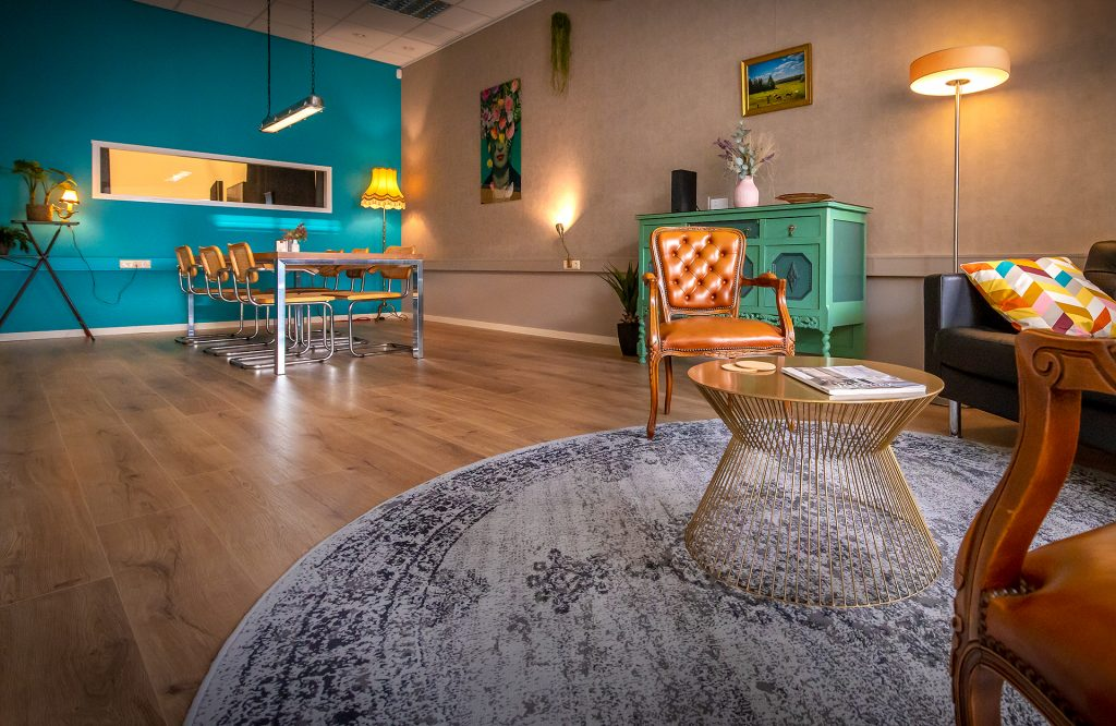Lounge kleedruimte van Studio IKOON Tilburg