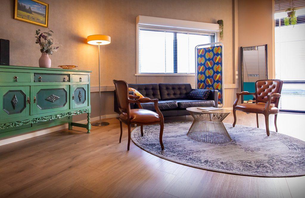 Lounge van film- en fotostudio - Studio Ikoon TIlburg